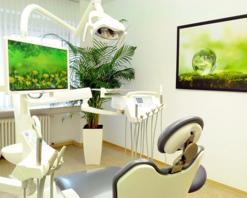Zahnarztpraxis Iryna Völker – Behandlungszimmer